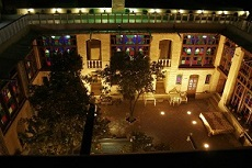 Niayesh Boutique Hotel in Shiraz - Budget Hostel in Shiraz
